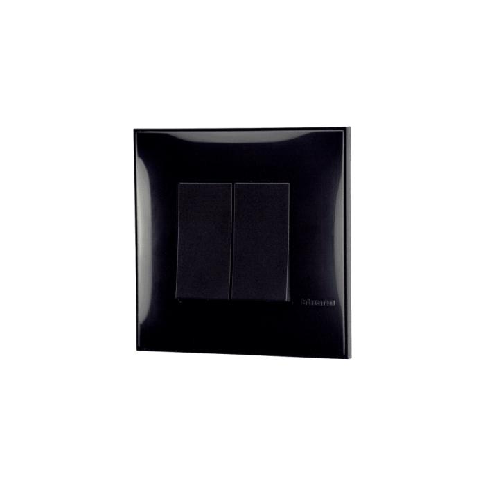 Prekidač serijski crne boje za uređenje stana. Detalj koji oplemenju prostor!