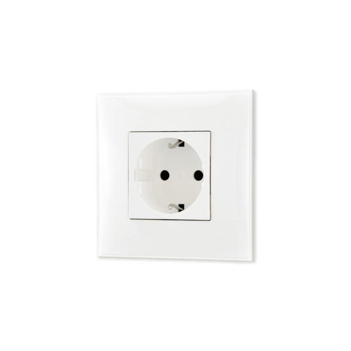 Uticnica energetska 220V bele boje za uređenje stana. Detalj koji oplemenju prostor!