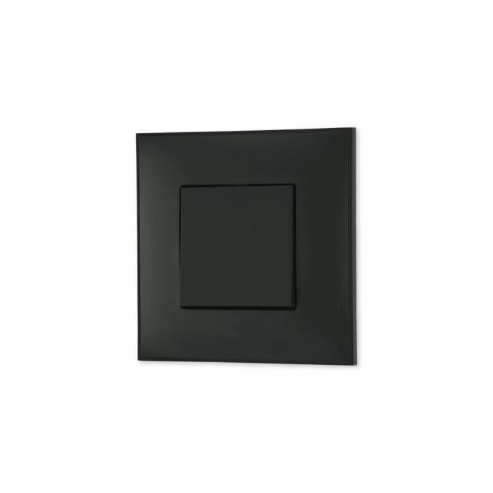 Prekidac u crnoj boji sa toniranim okvirom u boji satena i sa mehanizmo u crnoj boji za uređenje stana. Detalj koji oplemenju prostor!