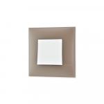 Prekidac u boji meke zemlje sa mehanizmo u beloj boji za uređenje stana. Detalj koji oplemenju prostor!