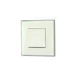 Prekidac bele boje sa toniranim okvirom sa metalnim efektom hroma i sa mehanizmo u beloj boji za uređenje stana. Detalj koji oplemenju prostor!