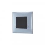 Prekidac u boji plavog metala sa mehanizmo u crnoj boji za uređenje stana. Detalj koji oplemenju prostor!